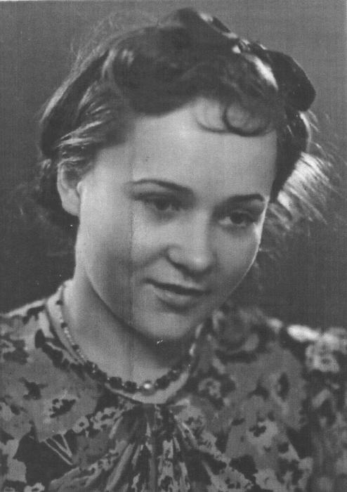 Агнесса Мірошникова – учениця ДМШ ім. Л.Бетховена