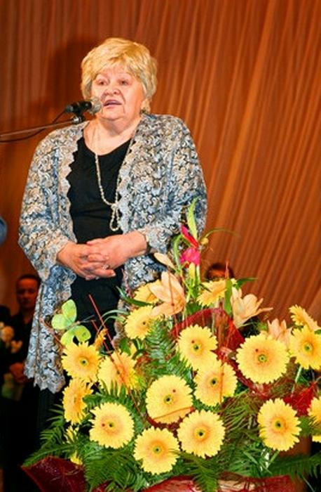 А.А.Мірошнікова на ювілеї ДМШ № 1 ім. Л.Бетховена, 2006 рік