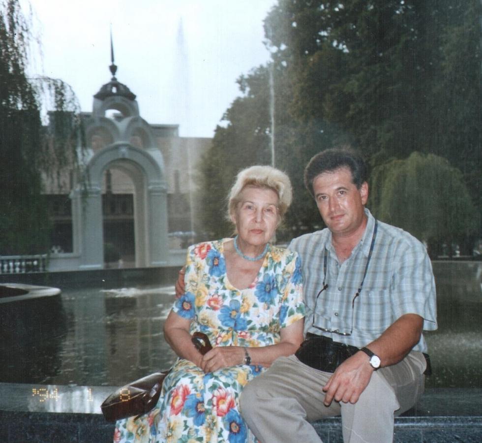 О.Сінельніков та В.П.Міхеєва, 1994 рік